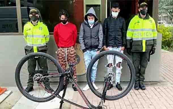 Policía capturó a tres delincuentes dedicados a hurtar bicicletas en Bogotá