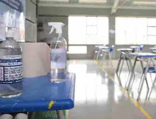 Identifican casos de COVID-19 en maestros de colegios distritales