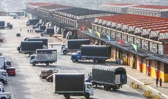 Con la llegada de 9 mil toneladas de alimento en corabastos bajaron más de 15 productos del campo