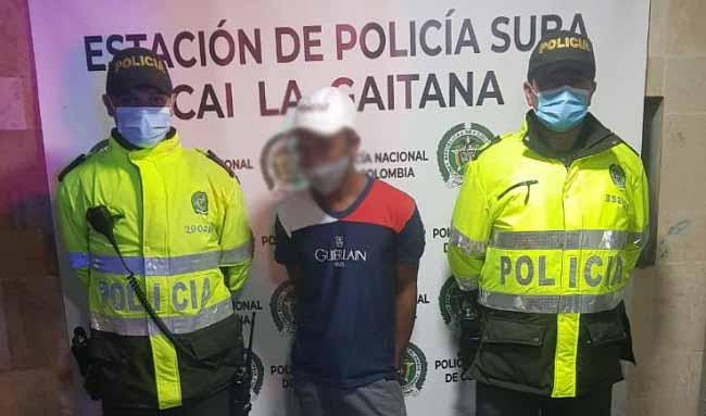 Policía captura sujeto por el delito de feminicidio en grado de tentativa en el barrio San Pedro de Tibabuyes