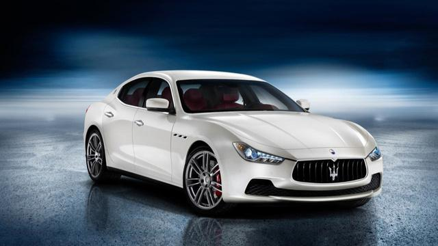 Maserati Ghibli's Super Bowl Surprise Ad