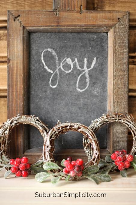 DIY Mini Sparkly Christmas Wreath Tutorial