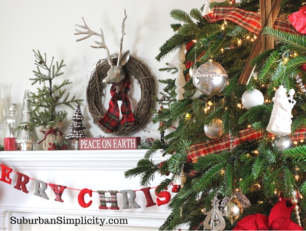 How to Decorate an Elegant and Rustic Christmas Tree3