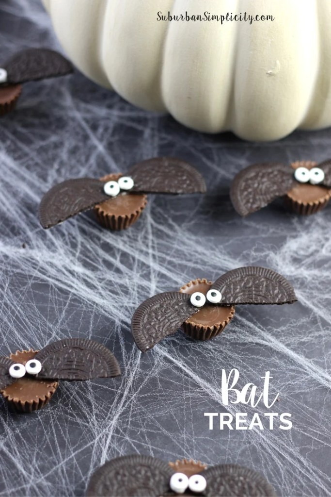 Adorably Cute recipe idea for Halloween. Bat Treats that take only 4 ingredients. Everyone will love these bat bites!