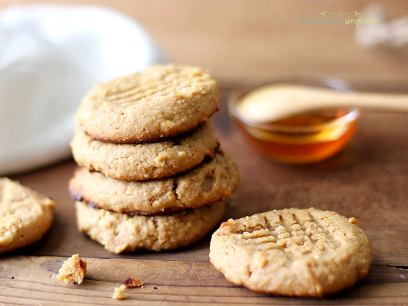 Gluten Free Peanut Butter Cookies are healthy cookies with no flour and no sugar that tastes out of this world! A clean, low carb recipe!