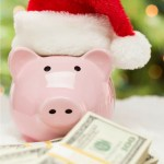 Easy ways for you to save money for the holidays this year.  Make this the best and most memorable holiday yet without breaking the bank! | Christmas Saving Ideas