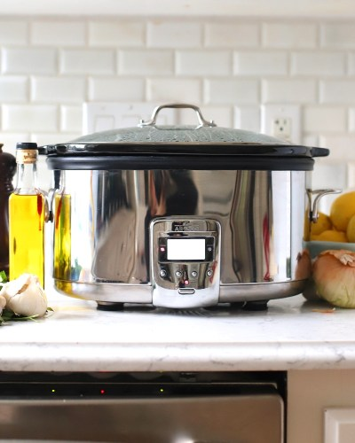 How to Use a Crock Pot with tons of tips and tricks. Ideas that will make using this time-saving kitchen appliance simple and easy!