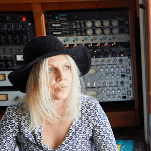 Episode 880: Tanya Donelly – Interview, Part 1