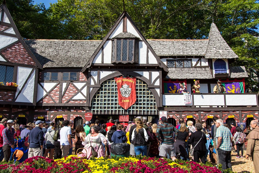How to Be a Successful Solopreneur: 4 Lessons From Renaissance Festivals