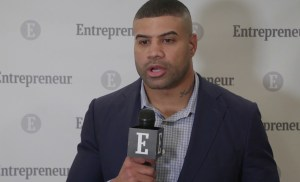 Watch This NFL Player Turned Entrepreneur Explain How He Keeps Challenges in Perspective