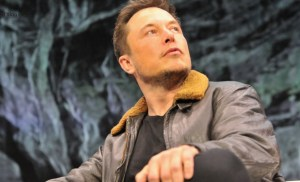 Elon Musk, the Latest iPhone Rumors and Sex in Space! 3 Things to Know Today.