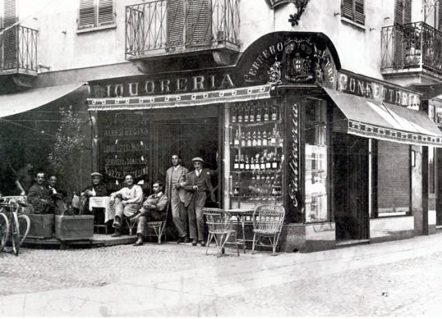 primo-negozio-ferrero-Alba-