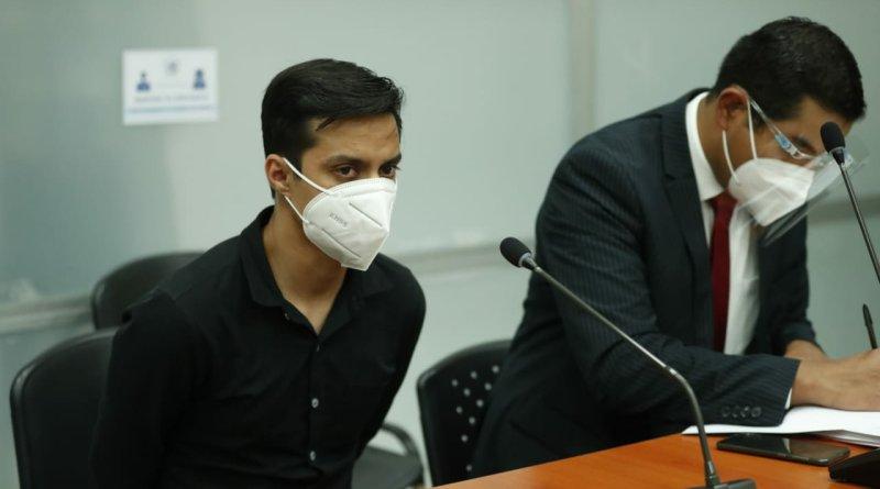 Periodista guatemalteco Sony Figueroa en una audiencia penal tras ser arrestado por ebriedad y escandalo.