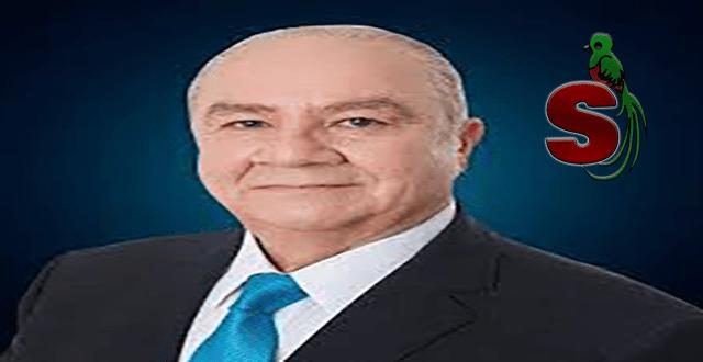 Roberto Molina Barreto, magistrado de la Corte de Constitucionalidad de Guatemala con un traje negro y una corbata azul