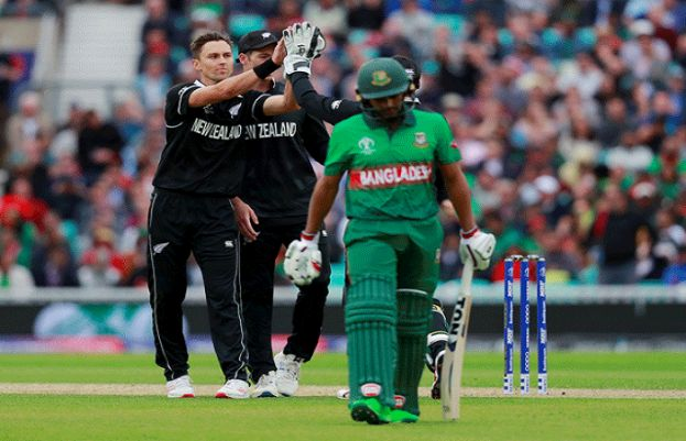 New Zealand beat Bangladesh by 2 wickets