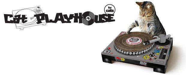 Cat scratch playhouse by Suck UK