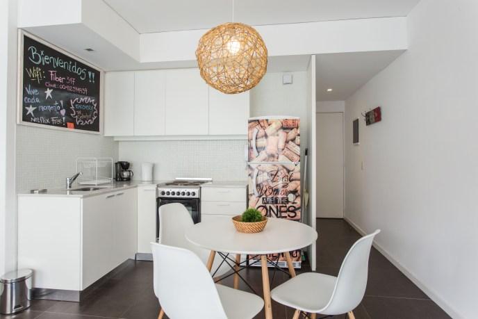 Apartemento amoblado con balcon superior cocina comedor