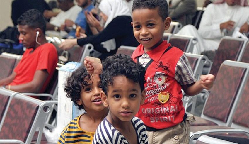 صورة ارشيفية لأطفال سودانيين مقيمين مع زويهم بليبيا