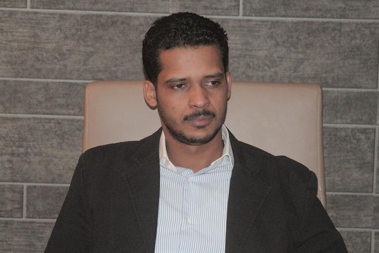 إبراهيم الميرغني لمحمد الحسن: من يعفي أو يحاسب الميرغني فقط