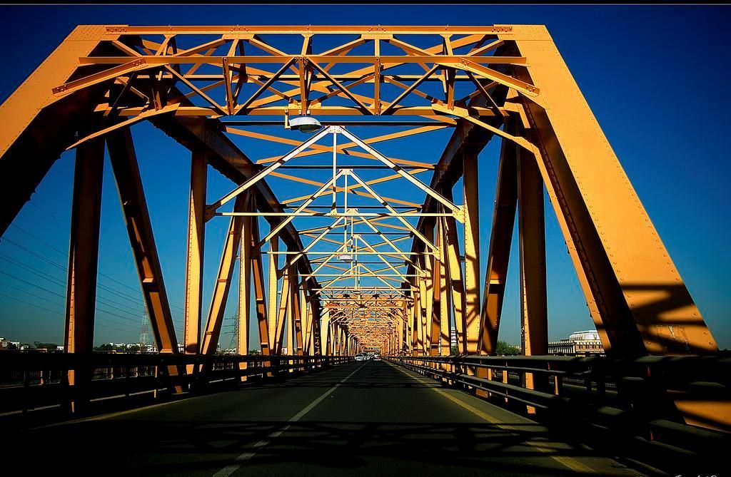 """فرض 5 جنيهات على """"العربات الولائية"""" العابرة لجسور الخرطوم"""