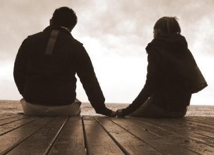 إندونيسيا: إجبار أي شاب وفتاة يضبطان في خلوة بعد 9 مساء على الزواج