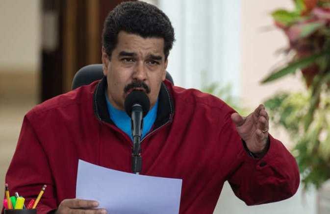 رئيس فنزويلا: سأحلق شاربي عقاباً إذا لم أسلّم مليون مسكن للمواطنين