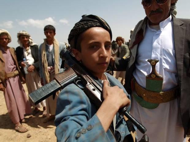 ميليشيات الحوثي تجند أطفالا بعمر 7 سنوات