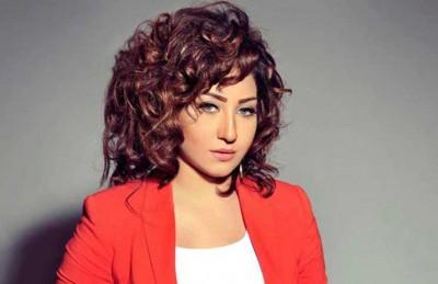 المطربة المصرية الشعبية بوسي تلقن زوجها علقة ساخنة بسبب خيانته لها