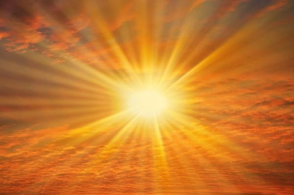 كيف يمكن لأمنا الشمس أن تقضي على ابنتها الأرض؟