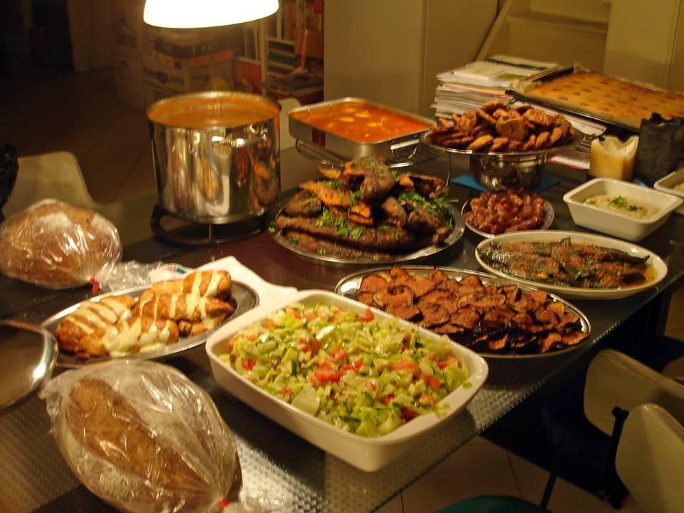 صيدلي يعد كتاباً للتعريف بالمطبخ السوداني