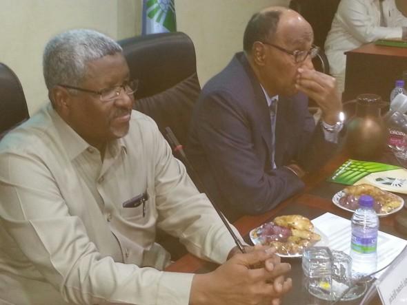 حكومة الخرطوم.. تفاصيل التسليم والتسلم