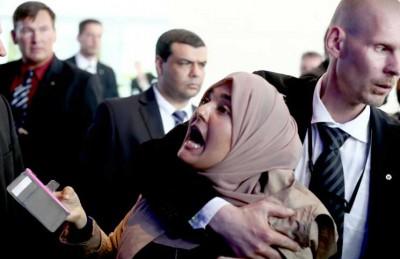 فجر العدلي: سحب جنسيتي المصرية وارد بعد هتافي ضد السيسي في برلين
