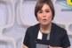بالفيديو: مذيعة بالتليفزيون المصري تنسى اسم ضيفها على الهواء و تبحث عنه في الأوراق