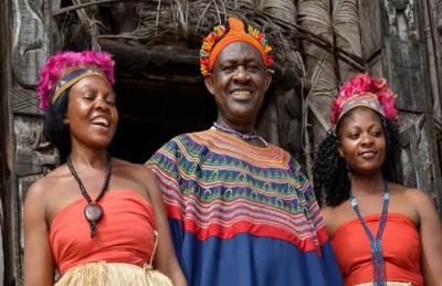 ملك إفريقي لديه 100 زوجة ورث 72 منهن عن والده