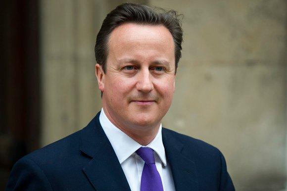 """كاميرون يهدّد المسلمات ببريطانيا """"من لم تتعلم الإنكليزية سترحل""""!"""