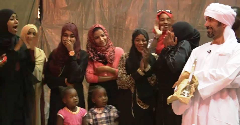 بالصورة : الشقيري يظهر بالعمة والجلابية السودانية في حلقة لخواطر تكريماً لمنظمة سودانية طوعية نالت المركز الأول