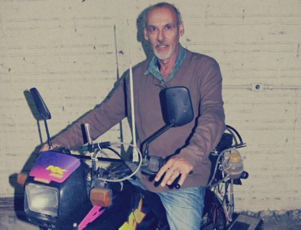 بالصور و الفيديو: موظف يبتكر دراجة نارية تبلغ سرعتها 500 كيلومتر: تحتاج إلى لتر واحد من الماء