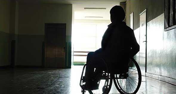صوت سليم برغم الإعاقة .. أنس عبد الله يدهش الحضور براشد دياب