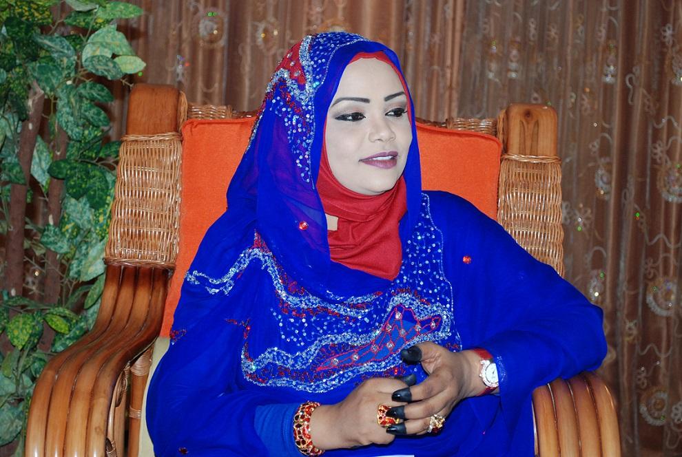 مذيعة الفضائية السودانية غادة عبد الهادي : الزواج هو اضافة حقيقية واستقرار وبالاخص اذا كان الزوج متفهم لطبيعة عمل المرأة