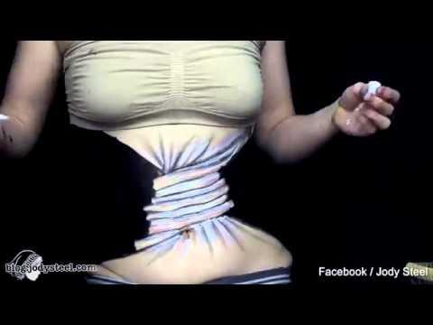 بالفيديو: فنانة تحول خصرها لحبل ملتف بخدعة الألوان