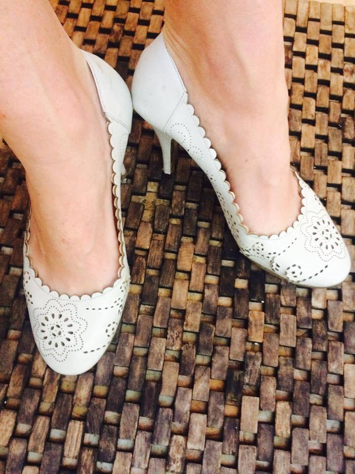 Cream scalloped high heels for women