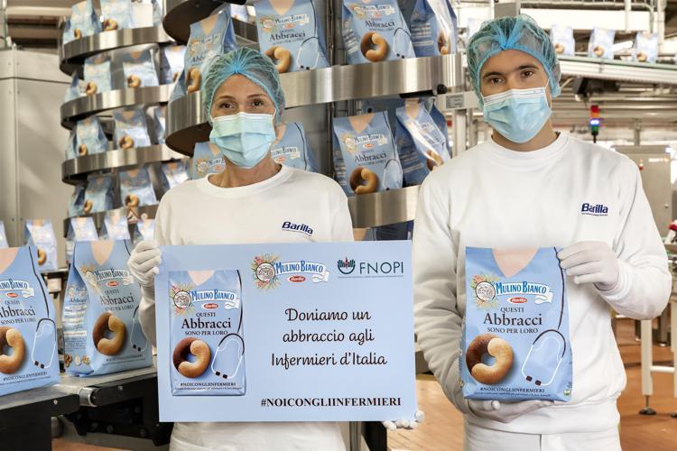 "Food & solidarietà: Mulino Bianco dona 2 Milioni di Euro per gli infermieri grazie agli ""Abbracci"""