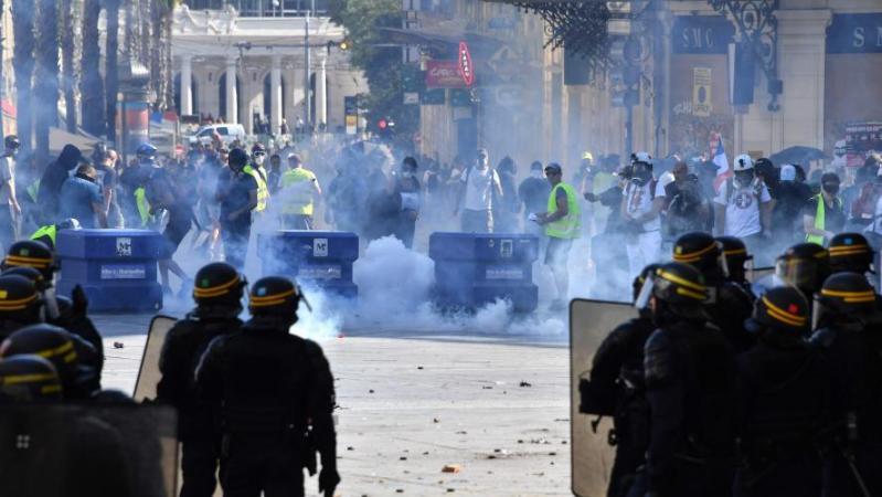 Un journaliste belge verbalisé à l'occasion du retour des Gilets jaunes en France: «Ahurissant»