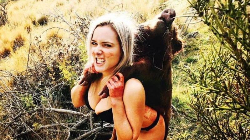 Lucy, 29 ans, menacée de mort car elle chasse pour nourrir ses trois enfants: elle pose fièrement avec ses trophées sur Instagram