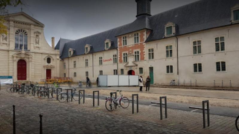 Coronavirus: 364 étudiants de Sciences Politiques isolés à domicile en France