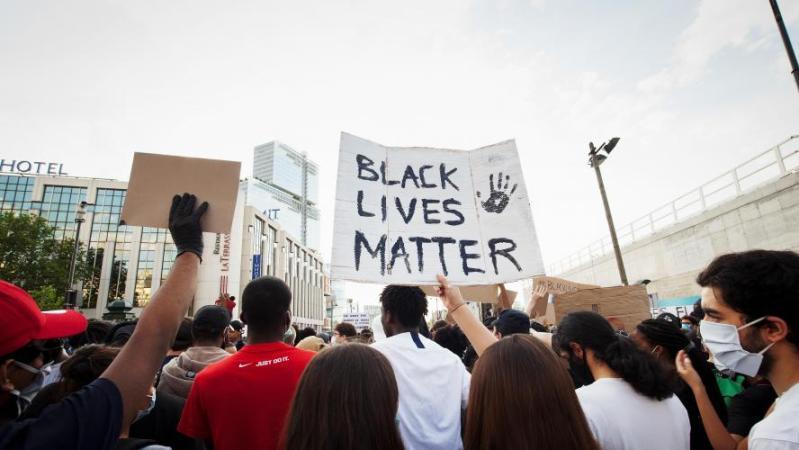 En France, des appels lancés à manifester samedi contre «les violences policières»