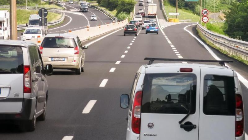 Le départ en vacances tourne mal: après une dispute, un Lillois abandonne sa femme sur une aire d'autoroute dans le sud et rentre chez lui