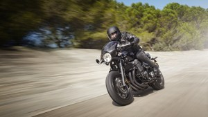 2015-Yamaha-XJR1300-Racer