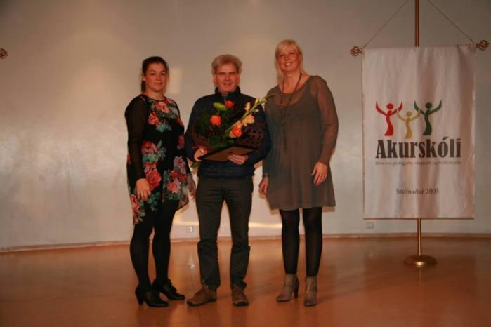 Guðmundur Hreinsson samdi skólasöng Akurskóla