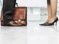 Psychologie: Mr. Rich und Mrs. Lonely
